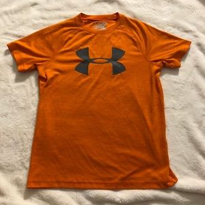 Boys Under Armour athletic t-shirt